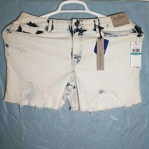Calvin Klein Boyfriend Bleachout Jeans Shorts